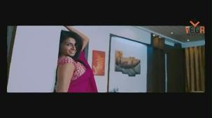 Gayathri in Gola Gola Film (Full Song) - YouTube[(004161)19-50-43]