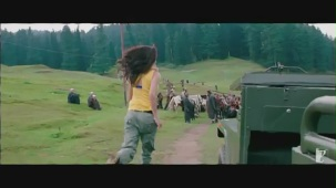 Jiya Re - Song - Jab Tak Hai Jaan - YouTube[(000130)19-43-00]