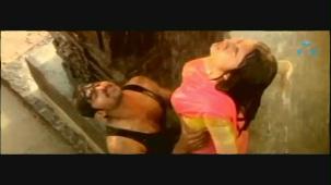 Mellagaa - Trisha Rain Song From Varsham Video Song HQ - YouTube[(004908)19-34-36]