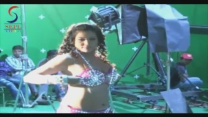 UNCENSORED!! Hot Seema Singh in Two Piece - Mahurat & On Location[20-46-21]