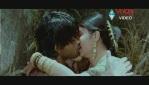 Allu Arjun Kiss scene With bhanusree In Varudu - YouTube(3)[(003119)20-13-37]