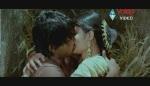 Allu Arjun Kiss scene With bhanusree In Varudu - YouTube(3)[(003270)20-13-47]