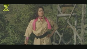 divya bharathi in bobbili raja - YouTube(4)[(003991)20-27-05]