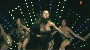 Hot 'n' Sizzling Sanobar - Kaan Mein Jhumka Remix - Full Video Song HD - YouTube(2)[(004768)20-53-14]