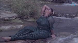 Na Oohala (Paaripoyina Kaidilu) - Silk Smitha - YouTube[21-06-46]