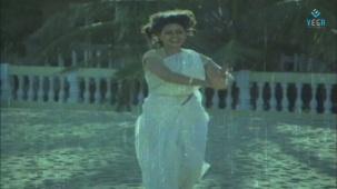 Na Oohala (Paaripoyina Kaidilu) - Silk Smitha - YouTube[21-19-04]
