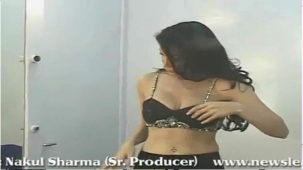 SOFIYA HAYAT HOT PHOTOSHOOT BY LUV ISRANI - YouTube[(001184)20-08-12]
