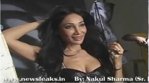 SOFIYA HAYAT HOT PHOTOSHOOT BY LUV ISRANI - YouTube[(004313)20-09-38]