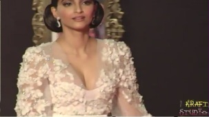 Sonam Kapoor Deep V Neck Dress at JTHJ Priemere - YouTube[(000123)20-28-05]