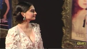 Sonam Kapoor Deep V Neck Dress at JTHJ Priemere - YouTube[(000252)20-28-26]