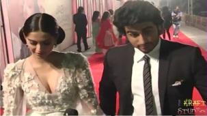 Sonam Kapoor Deep V Neck Dress at JTHJ Priemere - YouTube[(000360)20-29-35]