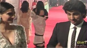 Sonam Kapoor Deep V Neck Dress at JTHJ Priemere - YouTube[(002840)20-32-11]