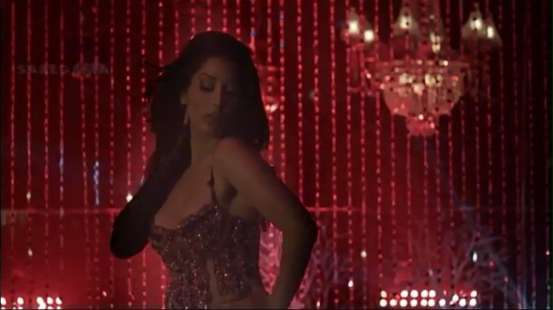 Sophie Choudry - Hungama Ho Gaya - Official Video[(001010)20-13-06]
