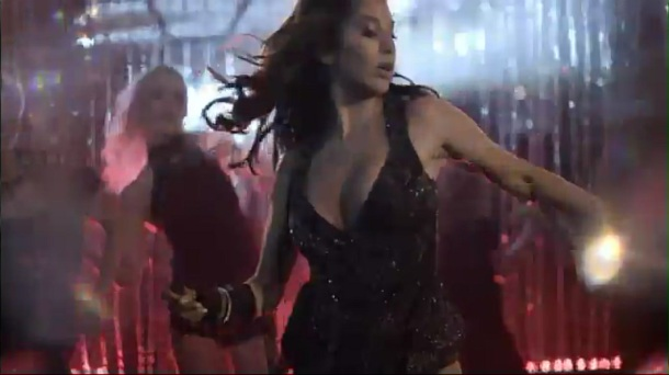 Sophie Choudry - Hungama Ho Gaya - Official Video[(002261)20-15-22]
