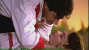 Vivek Smooches Hot Pooja Bhat Scene From Prem Deewane - YouTube[(000034)21-35-59]