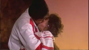 Vivek Smooches Hot Pooja Bhat Scene From Prem Deewane - YouTube[(001383)21-37-40]