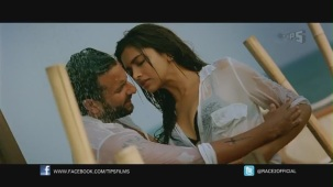 Be Intehaan - Race 2 - Official Song Video_ Saif Ali Khan & Deepika Padukone - YouTube(2)[20-30-55]