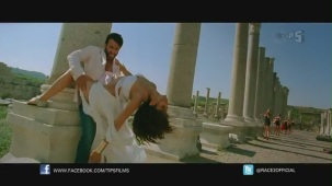 Be Intehaan - Race 2 - Official Song Video_ Saif Ali Khan & Deepika Padukone - YouTube(2)[20-35-52]