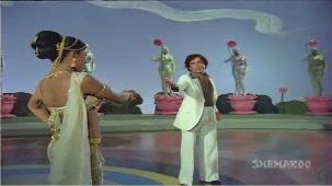 Chanchal Sheetal Nirmal - Shashi Kapoor - Zeenat Aman - Satyam Shivam Sundaram - Old Songs - YouTube[(001957)21-09-42]