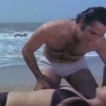 Feroz Khan, Mumtaz, Apradh - Bikini Scene 9_16 - YouTube(3)[20-09-05]