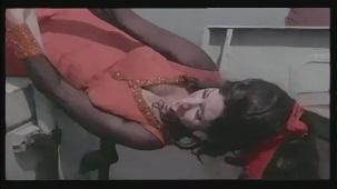 Hai Re Mohe Lage Sardi - Memsaab - Vinod Khanna, Bindu - Bollywood Sensuous Song[(001300)20-23-30]