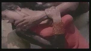 Hai Re Mohe Lage Sardi - Memsaab - Vinod Khanna, Bindu - Bollywood Sensuous Song[(002277)20-24-35]