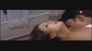 Man Ke Milan Preet (Bhojpuri Hottest Video)Feat.Ravi Kishan& Nagma[(000729)21-01-32]