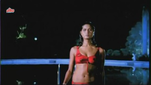 Vikrant Mahajan, Divya Diwedi - Chalak Hot Kissing Scene 1_9 - YouTube[(002769)20-17-13]