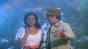 Zeenat Aman, Bandhan Kachchey Dhagon Ka Song - YouTube(4)[20-20-43]