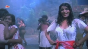 Zeenat Aman, Bandhan Kachchey Dhagon Ka Song - YouTube(4)[20-21-40]
