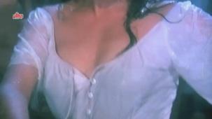 Zeenat Aman, Bandhan Kachchey Dhagon Ka Song - YouTube(4)[20-23-58]
