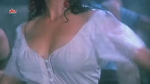 Zeenat Aman, Bandhan Kachchey Dhagon Ka Song - YouTube(4)[20-24-17]