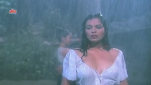 Zeenat Aman, Bandhan Kachchey Dhagon Ka Song - YouTube(4)[20-26-02]