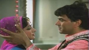 Aas Paas - Part 7 Of 16 - Dharmendra - Hema Malini - Superhit Bollywood Movie - YouTube(2)[(004827)21-22-57]