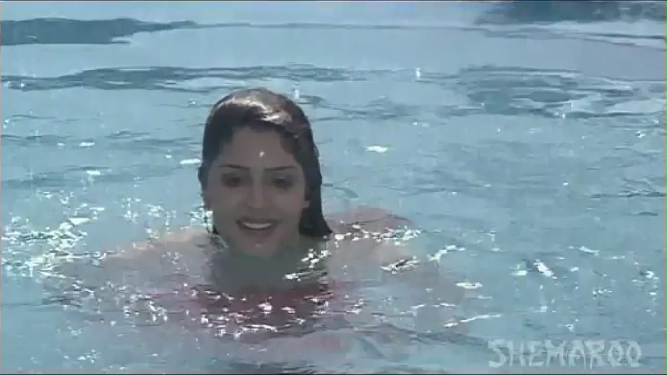juhi chawla bikini photo