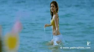 Chaska - Song - Badmaash Company - YouTube[20-13-54]
