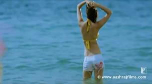 Chaska - Song - Badmaash Company - YouTube[20-14-38]