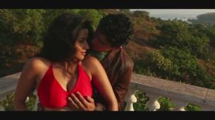 Kaate Nahin Kat Te Din Ye Raat Remix _ Feat. Hot 'n' Sizzling Bhojpuri Bombshell Babe Monalisa - YouTube[20-40-45]