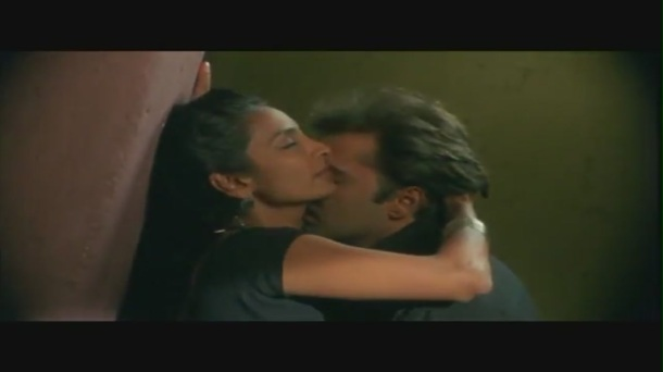 Kamal Sadanah and Suchitra Pillai Kissing Scene - Karkash - Bollywood Bedroom Romance[20-11-48]