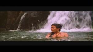 Monkey Steals Rani's Clothes - Boy Friend - Sheeba - Ravi Behl - Bollywood Drama Scenes[19-29-02]