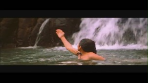 Monkey Steals Rani's Clothes - Boy Friend - Sheeba - Ravi Behl - Bollywood Drama Scenes[19-29-26]