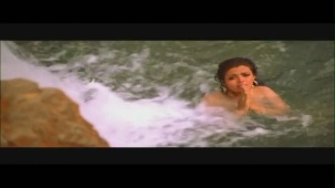 Monkey Steals Rani's Clothes - Boy Friend - Sheeba - Ravi Behl - Bollywood Drama Scenes[19-29-50]
