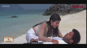 Ameesha Patel gets all wet- Kaho Naa Pyar Hai - YouTube[20-01-01]