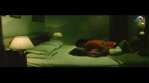 Emraan Hashmi getting intimate with Geeta Basra (The Train)[21-28-02]