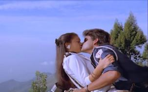 Lip kiss Nagarjuna & Amala[19-35-37]