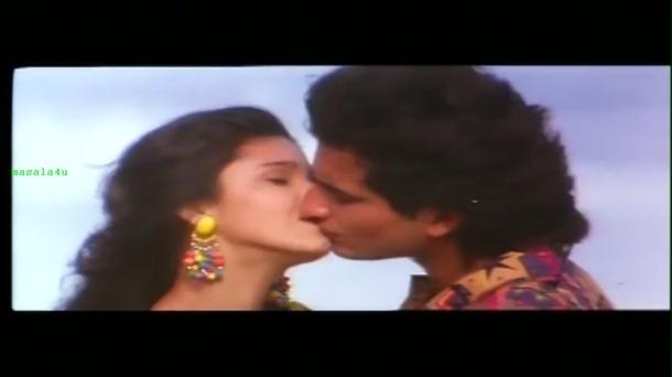 Main Khiladi Tu Anari - YouTube(7)[20-00-34]_001