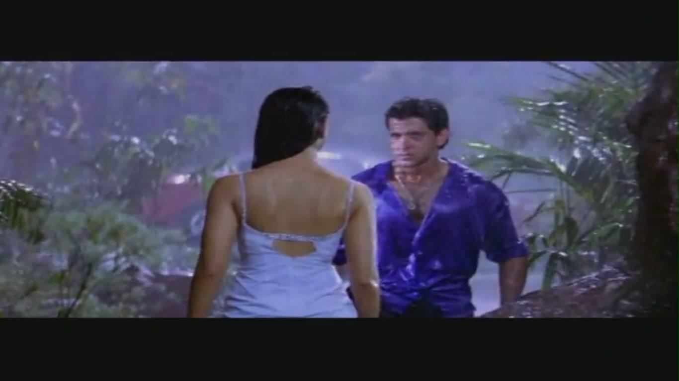 Kareena Kapoor | Sexy in Rain Song with Hrithik | Main ...