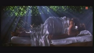 Monalisa Magical Power To Nirahua UNCUT scene from Bhojpuri Movie [Sriman Driver Babu] - YouTube(2)[21-08-57]
