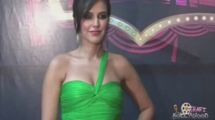Neha Dhupia Holding Strapless Green Gown[19-15-38]
