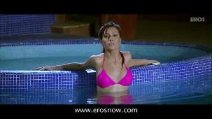 Is Tarah Deewane - Full Song - Insan ft Ajay Devgn & Koena Mitra - YouTube(2)[(002244)19-57-41]